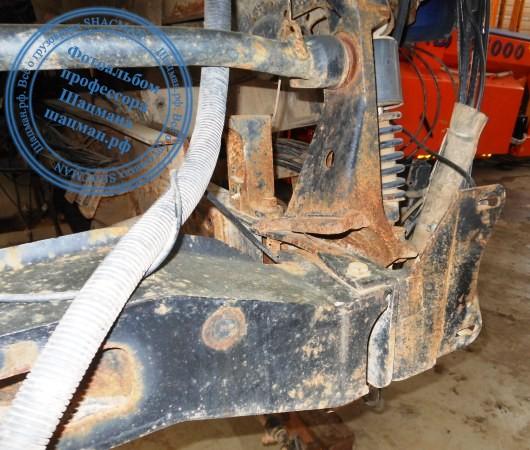 Деформация переднего кронштейна рамы автомомбиля SHACMAN