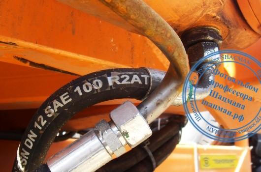 Повреждение трубопровода гидромагистрали подъёма кузова