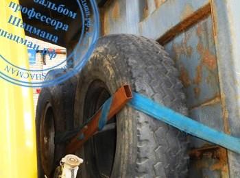 Крепление колес на самосвале FOTON