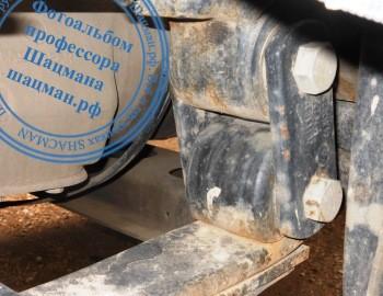 Серьга передней рессоры автомобиля SHACMAN в исполнении с сайлентблоком 81.43722.0061