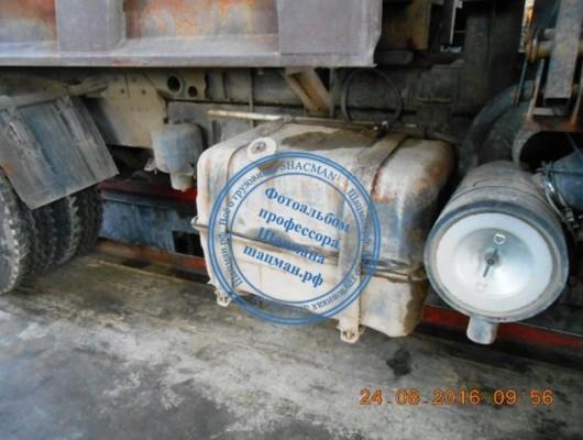 Топливный бак самосвала SHACMAN 2007 года выпуска